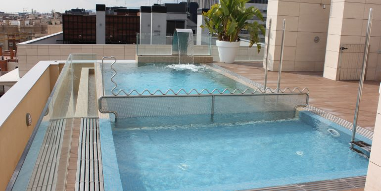 IMG_6935 piscina vistas a Bcn